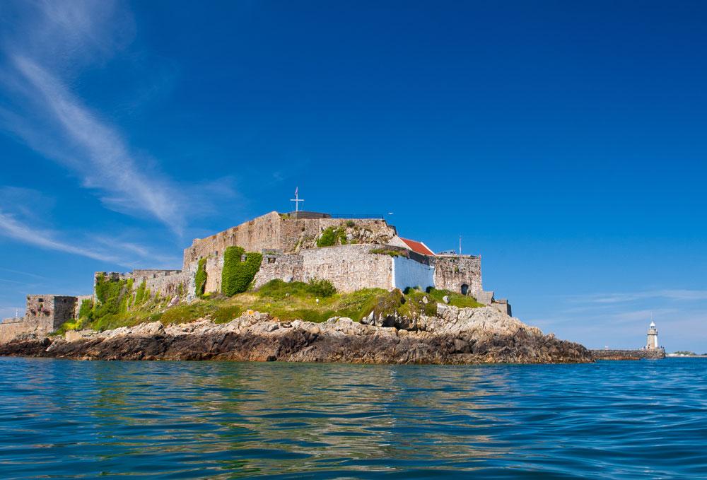 castle cornet guernsey harbour