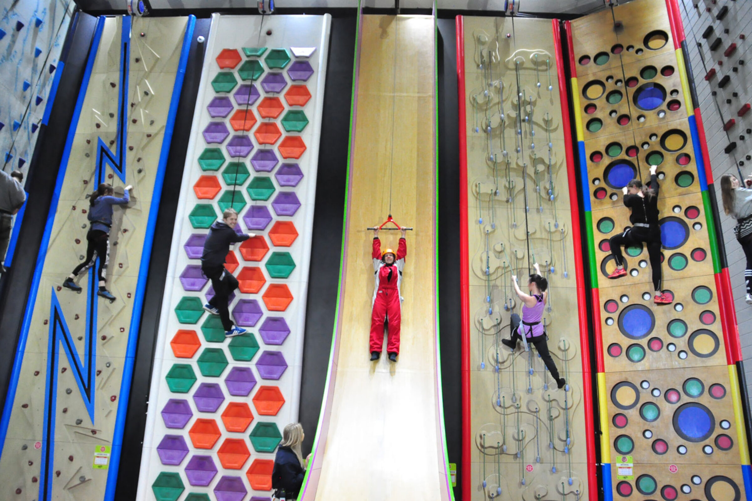 clip n climb walls at rock reef on bournemouth pier